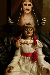Đồ Búp Bê Annabelle