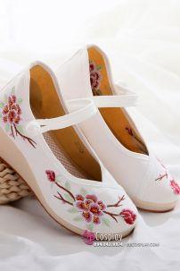 Giày Thêu Hán Phục 1