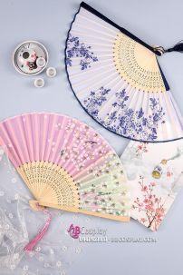 Quạt Xếp Giá Rẻ Cán Gỗ Vải In Hoa Nhiều Mẫu