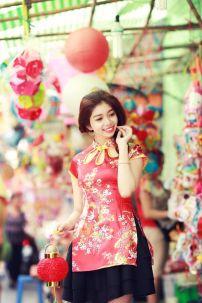 Qiloli Đỏ Váy Đen 31