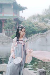 Hán Phục Mộng Mẫu Đơn